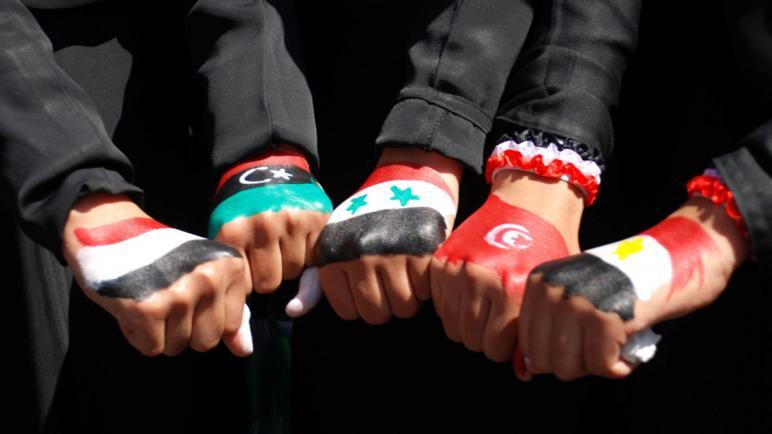 الثورة في العالم العربي كنتاج لفشل الديمقراطية الأبوية والموجهة